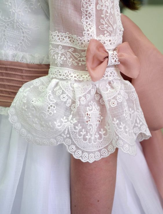 Personalitia - Detalle manga vestido primera comunión